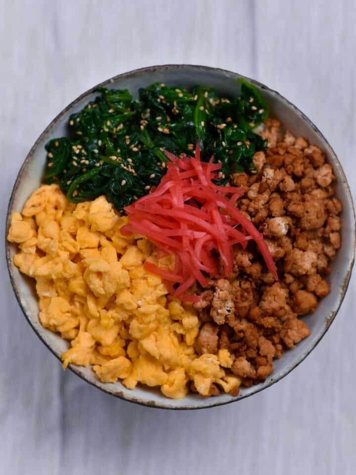 Japanese chicken and egg donburi
