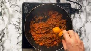 Spaghetti meat sauce cinnamon