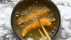golden ebi fry deep frying