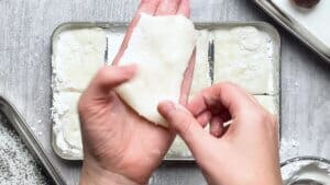 Place a piece of mochi on your palm
