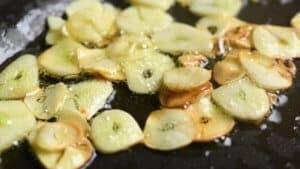 Crispy garlic slices