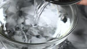 pour water