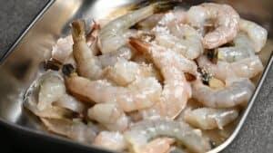 Fresh shrimp sprinkled with salt