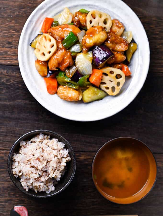 Kurozuan Sweet and Sour Chicken as a teishoku style set