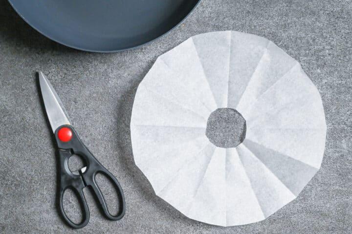 Homemade paper drop lid