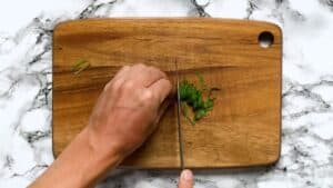 Cutting the shiso leaf into 3mm slices